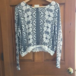 Short long sleeve sweater size M from H&M